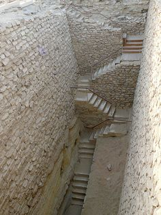 Egypte, Saqqara: Stairs in the south part of the pyramide of Djoser