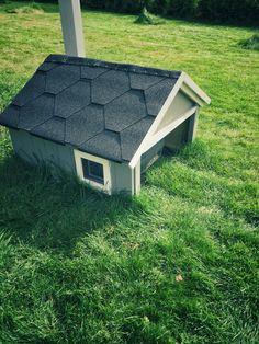 Tiny house for my husqvarna automower 310. robomower, automower310, automowerhouse, automower garage