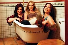 Wilson Phillips Awkwardly Stuffed Into A Tub