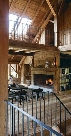 Totally Awesome Wedding Ideas for Yours Interieur Chalet Montagne Photo Confort Chic Pour Meg Ve Maisons Photos Chalet Interior, Interior Exterior, Barn Renovation, Barn Living, Cabins In The Woods, Rustic Interiors, Log Homes, Cozy House, Architecture