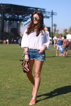 52 chic summer outfit ideas spotted at Coachella.