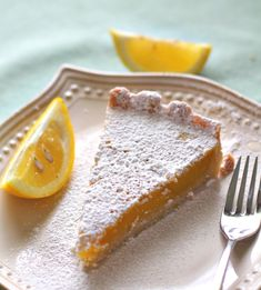 Lip-smacking delicious Lemon Tart with an irresistible shortbread crust that screams spring with its perfectly sweet and tart lemony taste!You'll be going for seconds and thirds! Pie Dessert, Dessert Recipes, Citrus Recipes, Mini Tart, Shortbread Crust, Pudding Desserts, No Bake Treats, Just Desserts, Smoothie Recipes