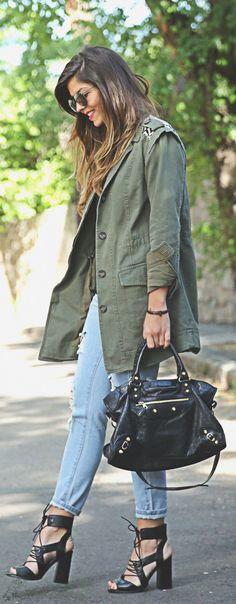 Military Look Trend: Natalia Cabezas is wearing a Buylevard khaki green army style jacket