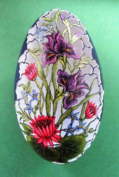 Korn, Art D'oeuf, Space Saving Shoe Rack, Faberge Eier, Carved Eggs, Embroidery Cards, Ukrainian Easter Eggs, Grenade, Egg Designs