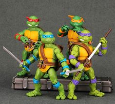 Find More Action & Toy Figures Information about NECA Teenag Mutant Ninja Turtles Figure TMNT dolls Leo Raph Mikey Don 4pcs/lot PVC 88 Classic Collection Action figures,High Quality Action & Toy Figures from Lucky Point on Aliexpress.com