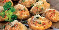 Pripravte si recept na Plnené zemiaky s nami. Plnené zemiaky patrí medzi najobľúbenejšie recepty. Zoznam tých najlepších receptov na online kuchárke RECEPTY.sk.