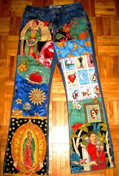 Items similar to Frida Kahlo Funky Patchwork Jeans - Retro Decoupage Denim - Custom Hand-Embellished Jeans for Girls/Ladies on Etsy Painted Jeans, Painted Clothes, Denim Fashion, Look Fashion, Denim Kunst, Denim Art, Printed Pants, Printed Denim, Diy Jeans