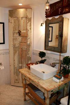 Country Prim Bathroom...cute!