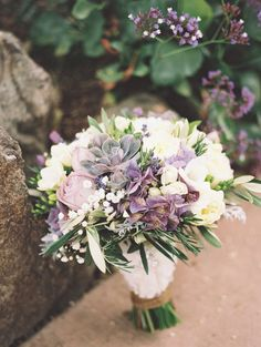 #purple bridal #bouquet http://trendybride.net/viansa-winery-california-fine-art-wedding/ {trendy bride}