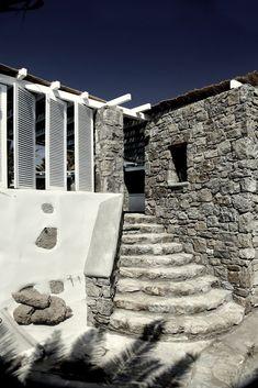 Binnenkijken | Rustieke luxe in San Giorgio Mykonos • Stijlvol Styling…