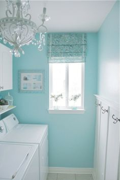 Tiffanys blue wall!