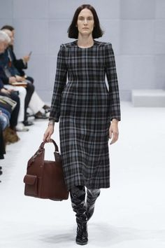 Balenciaga-aw16-pfw-womenswear-rtw-2