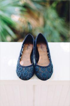 navy blue wedding shoes #weddingshoes @weddingchicks