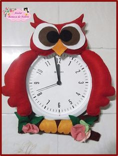 Christmas Clock, Diy Classroom Decorations, Felt Flowers, Ideas Para, Biscuit, Projects To Try, Crafts, Handmade Wall Clocks, Forest Decor