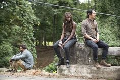 Things Are Happier Behind the Scenes of The Walking Dead Season 5 | moviepilot.com