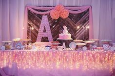 It's been a crazy hot summer so I thought I'd share with you all this whimsical winter wonderland birthday party captured by Adrian Ardiente and hope that it wi