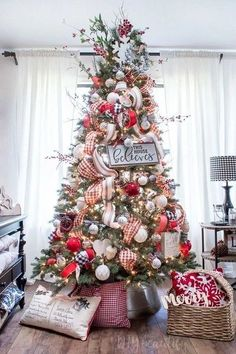 diy christmas tree decorations that spells out elegance in bold letters 12 . diy christmas tree decorations th. Christmas Tree Inspiration, Christmas Tree Design, Christmas Tree Themes, Noel Christmas, Country Christmas, Xmas Decorations, Christmas Traditions, Fireplace Decorations, White Christmas