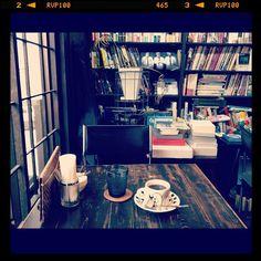 books & cafe LOW, Osaka, Japan