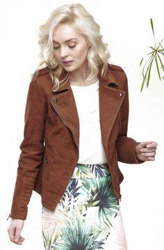 Blouson motard en cuir velours 50th, Fashion Dresses, Style, Soft Leather, Jackets, Down Vest, Woman Clothing, Mantle, Fashion Ideas