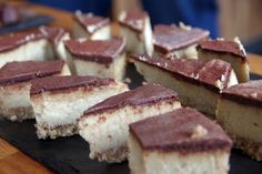 Sated Carameel Chocolate Slices