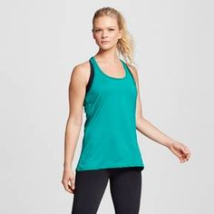 • Duo Dry+™ technology wicks moisture and dries fast<br>• Racerback<br>• Loose fit, long length<br>• Model wears size XS/S and is 5'8.5'''<br><br>The Women's Performance Long Tank from C9 Champion® keeps you covered with stretch fabric and a semi fit. Wicking technology that dries fast keeps you cool during your toughest workouts.