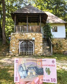 Vești bune! @muzeul_astra_official se redeschide vineri, 15 mai ☺️ Oriunde ați alege să mergeți în perioada următoare, nu uitați de purtarea măștii 😷 și de regulile de distanțare socială 🔛  În ultimul meu articol de pe blog veți găsi și alte muzee frumoase în aer liber din România pe care le puteți explora în perioada următoare 🇷🇴 Link in Bio 🔗 • • • • #visitromania #takemetoromania #pemeleaguriromanesti #fotografiezromania #exploreromania #topromaniaphoto… Cabin, House Styles, Home Decor, Decoration Home, Room Decor, Cabins, Cottage, Home Interior Design, Wooden Houses
