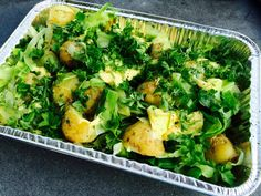 Grill: Kartofler med spidskål og asparges (og persillesmør)