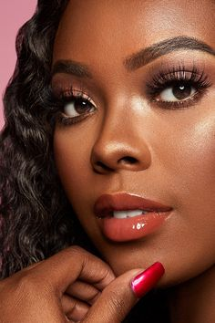 ColourPop Dress Code So Juicy Plumping Gloss Warm Rose Your lips but bigger. Creates fuller looking lips with the ultimate glassy, high shine finish. Lipstick For Dark Skin, Dark Skin Makeup, Lipgloss, Lipstick Dupes, Dark Skin Girls, Dark Skin Tone, Brown Skin, Basic Makeup, Daily Makeup