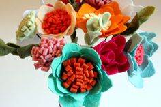 Small Felt flower bouquet centerpiece wedding bouquet by matuknits, €35.00