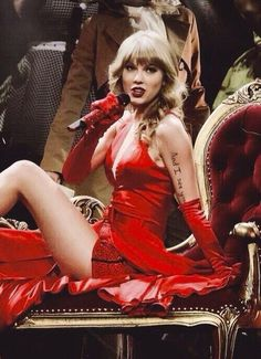 Arm lyrics for the RED tour Taylor Swift Red Tour, Swift 3, Taylor Swift Style, Taylor Alison Swift, Female Singers, Celebs, Celebrities, American Singers, Role Models