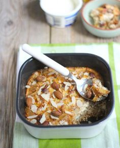 Ontbijt: quinoa met appel en kaneel uit de oven Breakfast: quinoa with apple and cinnamon from the oven – Tasty and Simpelund this Healthy Eating Recipes, Healthy Baking, Healthy Snacks, I Love Food, Good Food, Yummy Food, Convenience Food, Food Inspiration, Breakfast Recipes