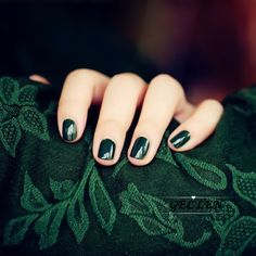 slytherin and painted nails