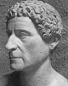 Tito Labieno, luogotenente di Caio Giulio Cesare, nato a Cingoli.