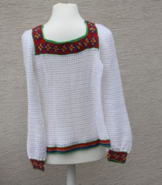Pullover & Pullunder - Pullover Tuch gehäkelt weiß rot blau grün - ein Designerstück von trixies-zauberhafte-Welten bei DaWanda