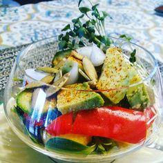 Raw veggie and avocado salad