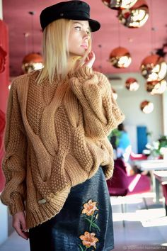 Cable knit oversized sweater chunky knitwear pullover urban look hand knit wool sweater autumn fashion casual clothing cozy sweater Handgestrickte Pullover, Oversize Pullover, Winter Sweaters, Cozy Sweaters, Sweaters For Women, Ladies Tops Patterns, Chunky Knitwear, Big Knits, Hand Knitted Sweaters