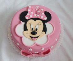 Dorty od Majky - Fotoalbum - Dětské dorty - Mickey a Minnie - 127 - pt Leoni - Kuchen Minnie Mouse Cake Design, Minnie Mouse Cake Decorations, Torta Minnie Mouse, Mini Mouse Cake, Minnie Mouse Cookies, Minnie Mouse Birthday Cakes, Minnie Cake, Mickey Mouse Cake, Baby Birthday Cakes