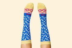 Image of 把藝術家們穿到腳上!國外現在超流行這種逗趣的卡通襪子!