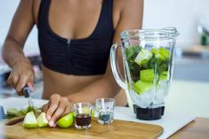 Are you feeling the brain fog? It might be time for you to consider A Liver Detox Diet Plan! Dietas Detox, Detox Diet Plan, Liver Detox, Healthy Foods To Eat, Healthy Dinner Recipes, Diet Recipes, Healthy Snacks, Blender Recipes, Healthy Fruits