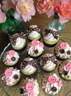 Sweet Buttons & Bows Cupcakes