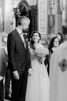 Fotografii de nuntă în pandemie cu petrecere alaturi de cei dragi! 😍🥂 Bucharest, Destination Wedding Photographer, Wedding Dresses, Fashion, Bride Dresses, Moda, Bridal Gowns, Fashion Styles, Weeding Dresses