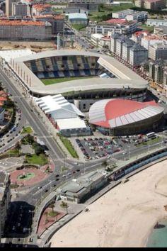Estadio Riazor. A Coruña, RCD La Coruña, 35.000 pers, abierto en 1944. España