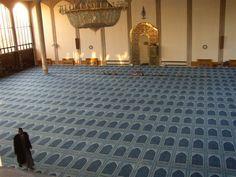 Bespoke carpet installation at Regents Park Mosque.