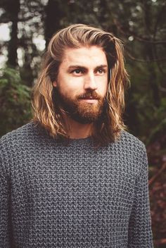 17 months and now my hair is catching up with my beard Long Hair Beard, Long Hair Cuts, Men Long Hair, Boys With Long Hair, Boy Hairstyles, Trendy Hairstyles, Hairstyle Ideas, Professional Hairstyles, Hairstyle Man
