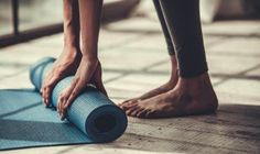 Your yoga mat can get dirty with regular use. Here are some of the best ways to clean your yoga mat. - How to Clean Your Yoga Mat: 3 Best Ways to Clear Stains and Dirt from Your Yoga Mat Fitness Workouts, Tendinitis, Tummy Tuck Surgery, How To Start Yoga, Yoga Moves, Tummy Tucks, Yoga Lifestyle, Best Yoga, Insomnia