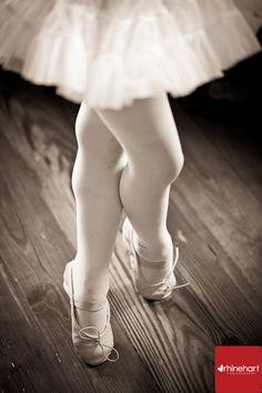 Tiny dancer, ballet photos, children's photography, Pennsylvania Family Portrait Photographer, Family Photography