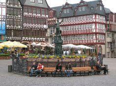 Frankfurter Roemer: 뢰머 광장 풍경