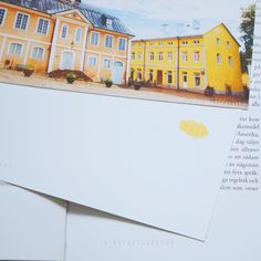"""Daydreaming in North Europe-Postcard (1)-  Back side """"Moi"""" means Hi in Finnish  <Behind story> The house is in Porvoo. Porvoo is a second old city in Finland. Let`s spends time to enjoy lake view, colorful houses and Totuomiokirkko church if you`re in Finland. I think you`d enjoy in there.  <Introduction> Size:around 9.5cm x 14cm  Weight : 240g Art paper Made in Hong Kong"""