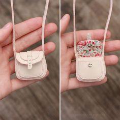 1/6 Miniature Bag for a doll by striped-box.deviantart.com on @DeviantArt