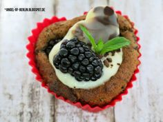 * Angel of Berlin: [bakes...] Mothersday Buckwheat Blackberry Chocolate Cakes of {Backen mit Buchweizen} [vegan & glutenfree]